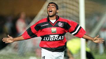 Com ídolos de Flamengo e Vasco, nomes inusitados e muito mais: veja 6 figuras marcantes da história do Clássico dos Milhões.