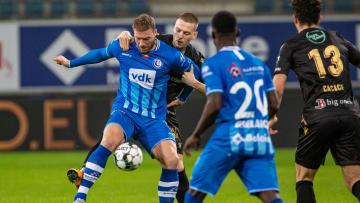 Dimitri Lavalée (2. v. l.) bleibt noch eine Saison bei St. Truiden