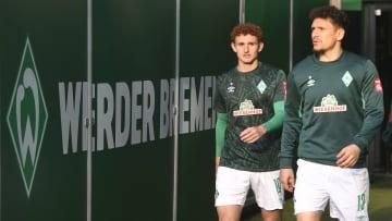 Mit Milos Veljkovic (r.) in der Anfangsformation verlor Werder diese Saison noch keine Partie