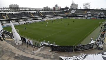 William Thomas optou por continuar no Athletico-PR, mesmo com proposta salarial maior do Santos.
