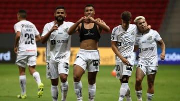 Santos passou do San Lorenzo com 5 a 3 no agregado