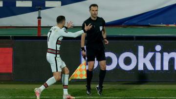 En el partido ante Serbia le anularon un gol legítimo a Cristiano Ronaldo.