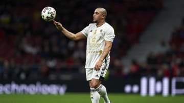 Roberto Carlos went viral on Twitter on Wednesday