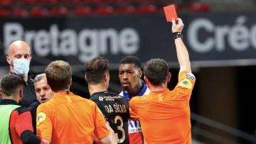 Adil Rami s'est montré critique avec le comportement des joueurs parisiens.