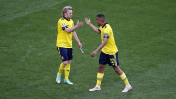 Sweden ground out an ugly win