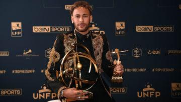 Malgré ses 16 matchs disputés en Ligue 1, Neymar est en course pour remporter le titre de meilleur joueur du championnat