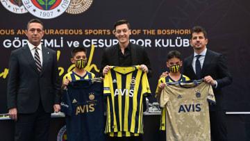 Mesut Özil'in imza töreninde