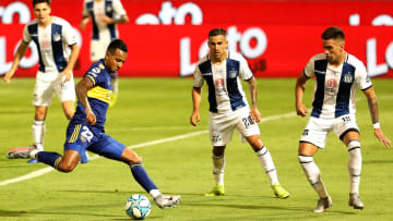 Talleres v Boca Juniors - Copa Diego Maradona 2020 - Villa a punto de patear al arco.