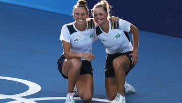Luisa Stefani e Laura Pigossi fizeram o Brasil sorrir neste sábado