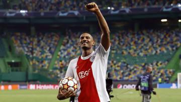Sébastien Haller, do Ajax, colocou seu nome na história da Champions League