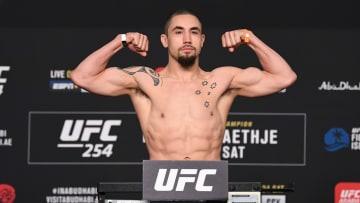 Robert Whittaker vs Kelvin Gastelum odds, prediction, fight info, stream & betting insights for UFC Vegas 24.