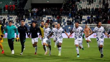 La festa Inter dopo la vittoria con il Sassuolo