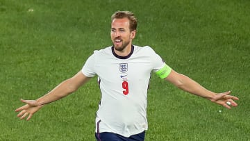 Harry Kane is waiting for Manchester City to make a breakthrough in discussions with Spurs