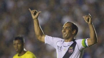 """Morato, Paulo Nunes e outros """"provocadores"""": veja 7 comemorações de gol icônicas do futebol."""