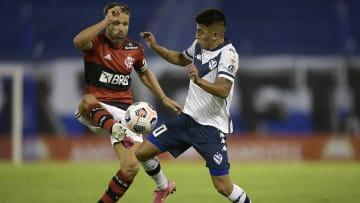 Almada, do Vélez, é um dos destaques da lista