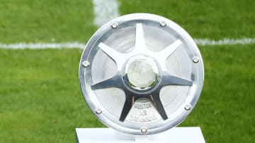 Welcher Zweitligist sichert sich in der Saison 2021/22 die Meisterschale?