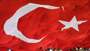WC2002-SEN-TUR-GIANT TURKISH FLAG