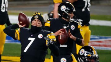 Ben Roethlisberger warms up for a playoff game.