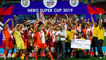FC Goa lifting the Hero Super Cup