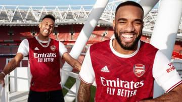 Arsenal công bố mẫu áo đấu sân nhà mùa 2020/21