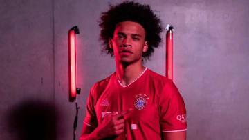 Sane chính thức ký hợp đồng với Bayern Munich và nhận đãi ngộ khủng