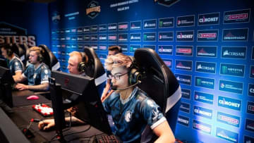 "Russel ""Twistzz"" Van Dulken is in discussions to join FaZe Clan's CS:GO team, according to sources"