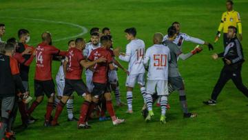 Vasco e Brasil-RS protagonizaram confusão após apito final