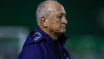 Cruzeiro espera sinalização de Felipão para iniciar planejamento para a próxima temporada; clima no clube não é de otimismo