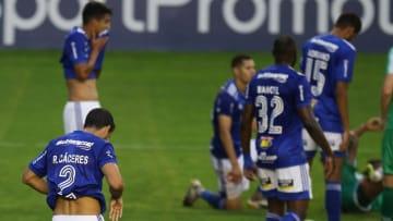 Sem chances matemáticas de acesso, o Cruzeiro vai continuar na Série B em 2021. Veja os maiores erros do clube nesta temporada.