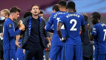 HLV Lampard và các học trò trong trận thua West Ham