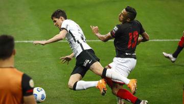 Corinthians não conseguiu ir às redes e caiu ante o Atlético-GO na Copa do Brasil.