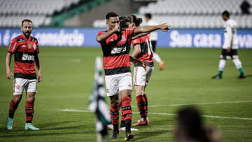 Flamengo venceu o Coritiba por 1 a 0 no Couto Pereira