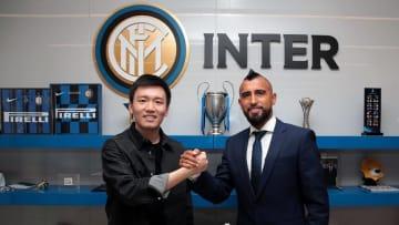 Aturo Vidal đã chính thức gia nhập Inter Milan