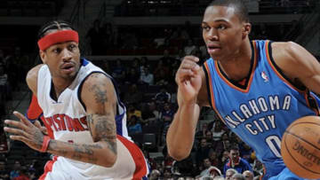 Westbrook durante un duelo ante Allen Iverson en los inicios de su carrera