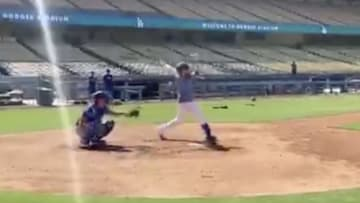 Justin Turner is back to crushing dingers at Dodgers Stadium