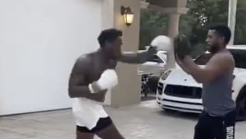 Aroldis Chapman entrenando boxeo en la cuarentena