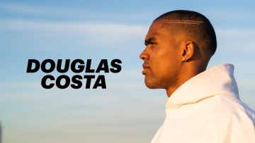 Douglas Costa Is Recovering One Step at a Time