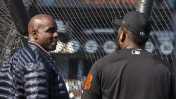 SAN FRANCISCO, CA - AUGUST 07: Former outfielder Barry Bonds of the San Francisco Giants talks to Pablo Sandoval #48 during batting practice before the game against the Chicago Cubs at AT&T Park on August 7, 2017 in San Francisco, California. (Photo by Jason O. Watson/Getty Images)