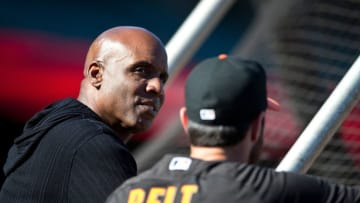 SF Giants great Barry Bonds talks with a player outside the batting cage. (Photo by Jason O. Watson/Getty Images)