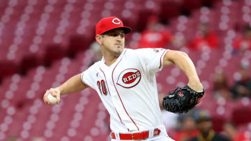 CINCINNATI, OHIO - SEPTEMBER 21: Tyler Mahle #30 of the Cincinnati Reds throws a pitch. (Photo by Andy Lyons/Getty Images)