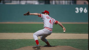 1978: Pitcher Tom Seaver #41 of the Cincinnati Reds steps into a pitch in 1978. (Photo by Rich Pilling/MLB Photos)