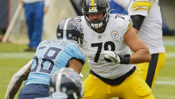 NASHVILLE, TENNESSEE - OCTOBER 25: Alejandro Villanueva #78 of the Pittsburgh Steelers plays against the Tennessee Titans at Nissan Stadium on October 25, 2020 in Nashville, Tennessee. (Photo by Frederick Breedon/Getty Images)