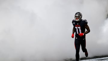 ATLANTA, GEORGIA - SEPTEMBER 13: Julio Jones #11 of the Atlanta Falcons runs out on the field during player introductions prior to facing the Seattle Seahawks at Mercedes-Benz Stadium on September 13, 2020 in Atlanta, Georgia. (Photo by Kevin C. Cox/Getty Images)