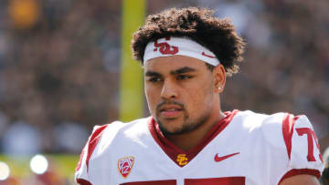 Alijah Vera-Tucker may be the most important player on the USC depth chart. (Alicia de Artola/Reign of Troy)
