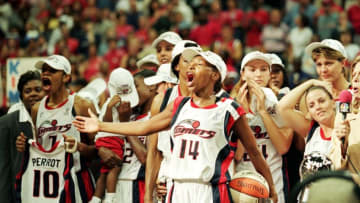 Cynthia Cooper #14 of the Houston Comets