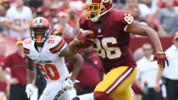 Oct 2, 2016; Landover, MD, USA; Washington Redskins tight end Jordan Reed (86) runs with the ball as Cleveland Browns defensive back Briean Boddy-Calhoun (20) chases in the third quarter at FedEx Field. The Redskins won 31-20. Mandatory Credit: Geoff Burke-USA TODAY Sports