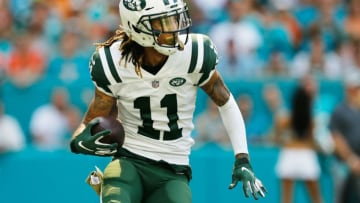 MIAMI, FL - NOVEMBER 04: Robby Anderson #11 of the New York Jets carries the ball againnst the Miami Dolphins in the first quarter of their game at Hard Rock Stadium on November 4, 2018 in Miami, Florida. (Photo by Michael Reaves/Getty Images)