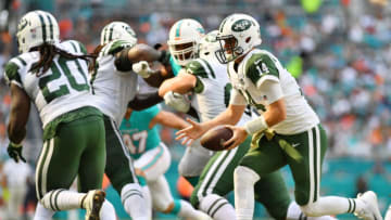 MIAMI, FL - NOVEMBER 04: Sam Darnold #14 of the New York Jets drops back against the Miami Dolphins of their game at Hard Rock Stadium on November 4, 2018 in Miami, Florida. (Photo by Mark Brown/Getty Images)