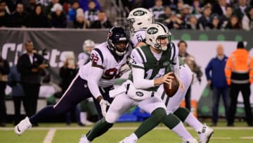 EAST RUTHERFORD, NJ - DECEMBER 15: Quarterback Sam Darnold #14 of the New York Jets scrambles against the Houston Texans in the first quarter at MetLife Stadium on December 15, 2018 in East Rutherford, New Jersey. (Photo by Steven Ryan/Getty Images)