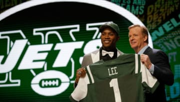 CHICAGO, IL - APRIL 28: (L-R) Darron Lee of Ohio State holds up a jersey with NFL Commissioner Roger Goodell after being picked #20 overall by the New York Jets during the first round of the 2016 NFL Draft at the Auditorium Theatre of Roosevelt University on April 28, 2016 in Chicago, Illinois. (Photo by Jon Durr/Getty Images)